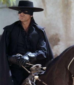 Alain-Delon-Zorro1975